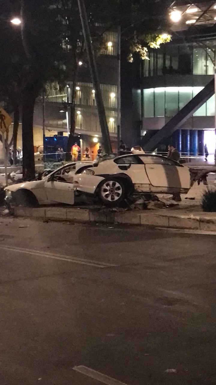 Choca auto de lujo en Paseo de la Reforma en CDMX, hay ... - photo#24