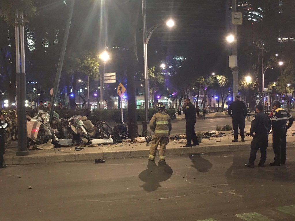 Choca auto de lujo en Paseo de la Reforma en CDMX, hay ... - photo#34