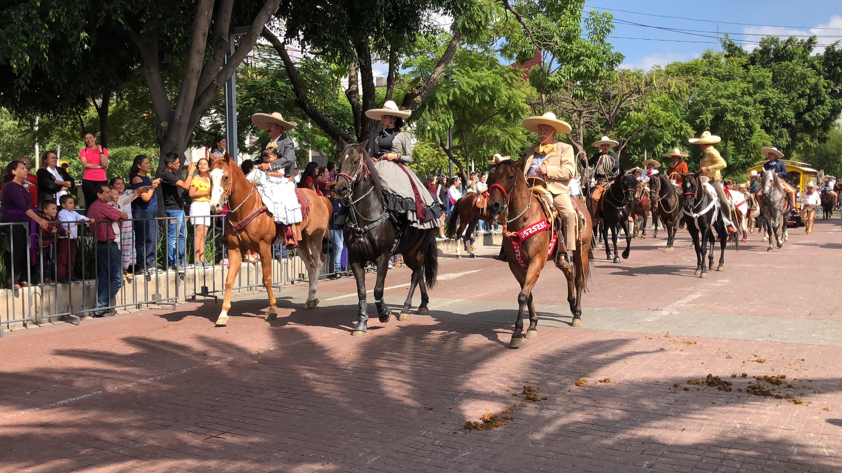 Con desfile celebran el Día del Charro - Tráfico ZMG 952f0e7b809