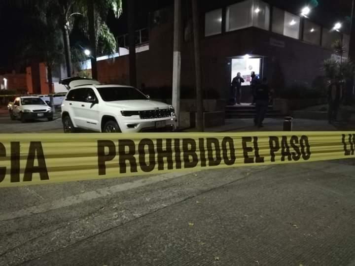 Fallece escolta del fiscal tras un presunto asalto