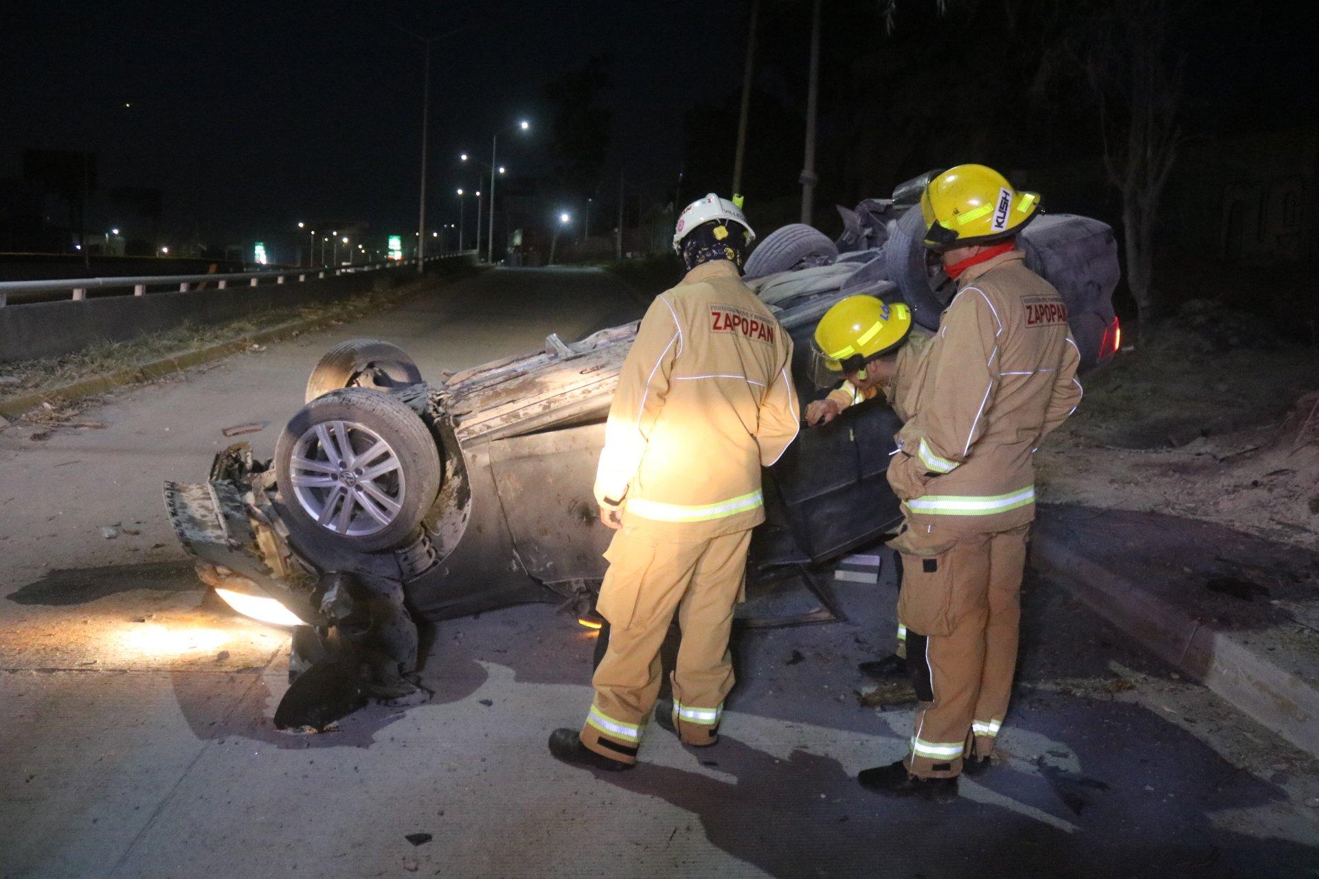 Conductor murió tras accidentarse en Periférico Poniente