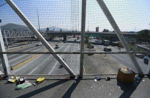 Continúa sustitución de puentes peatonales en Periférico